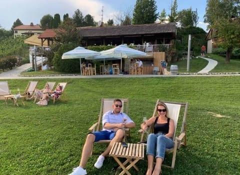 Vrt restorana Vuglec breg i lezaljke