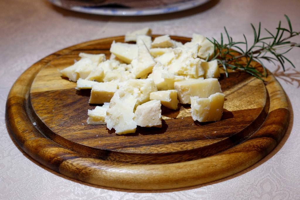 Mješani sir odležan u barrique bačvi