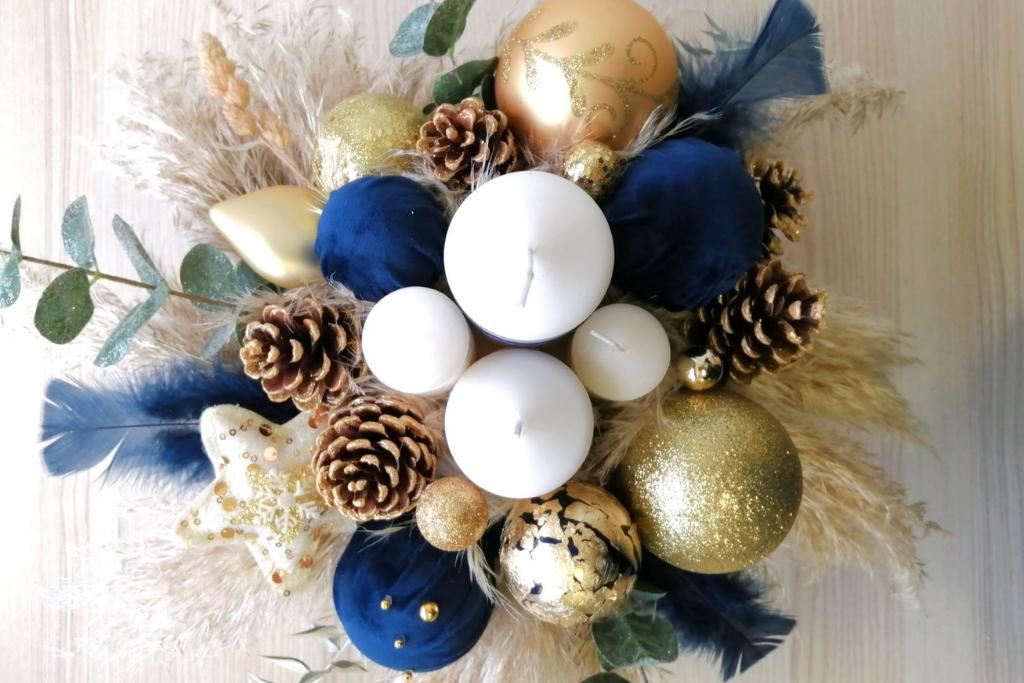 Božićna dekoracija za stol